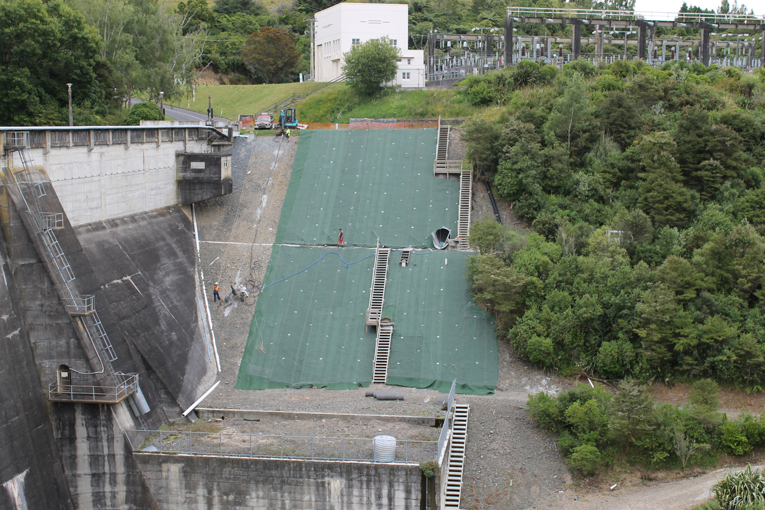 Karapiro Hydro Dam – Waikato, New Zealand installed with Platipus S4 ARGS