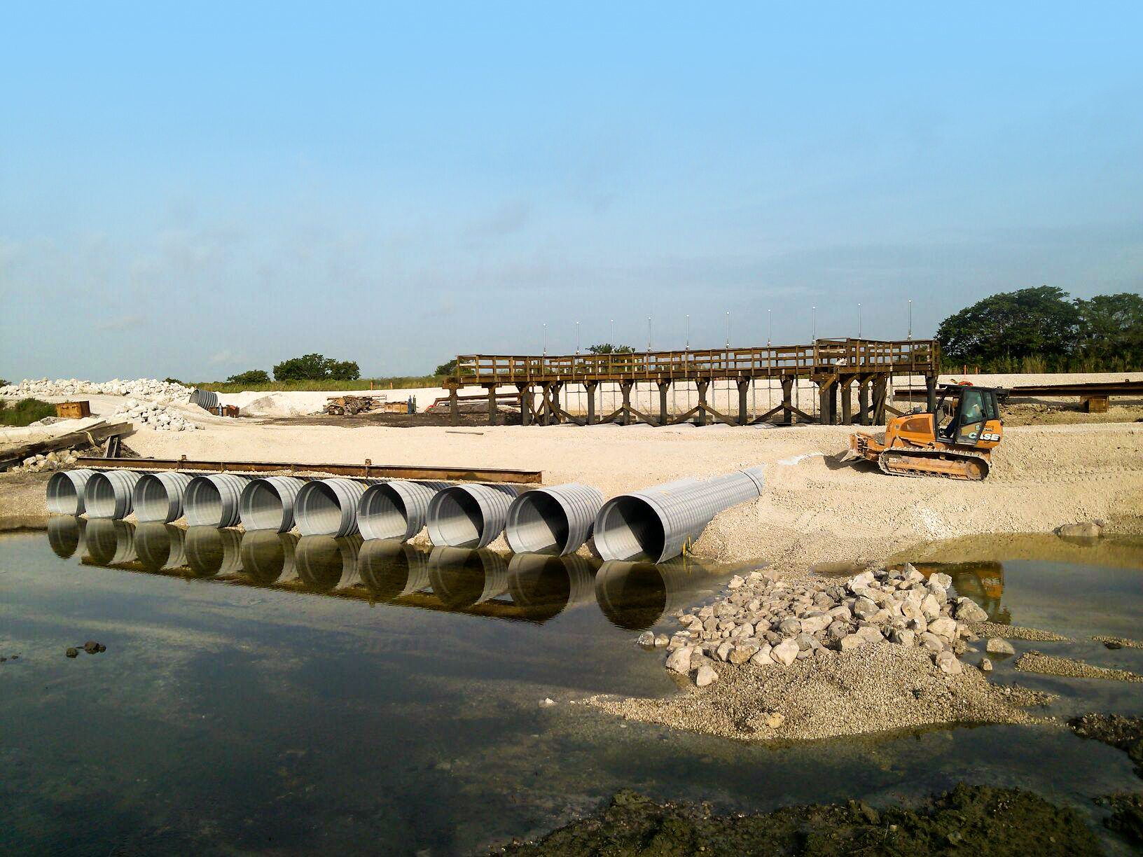 Decompartmentalisation & Sheetflow Enhancement of Water Conservation – USA - pipeline installation